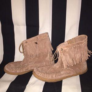 Size 9 Ugg leather moccasins